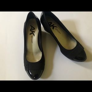 Anne Klein Sport Black Wedge Pumps Sz: 7.5M